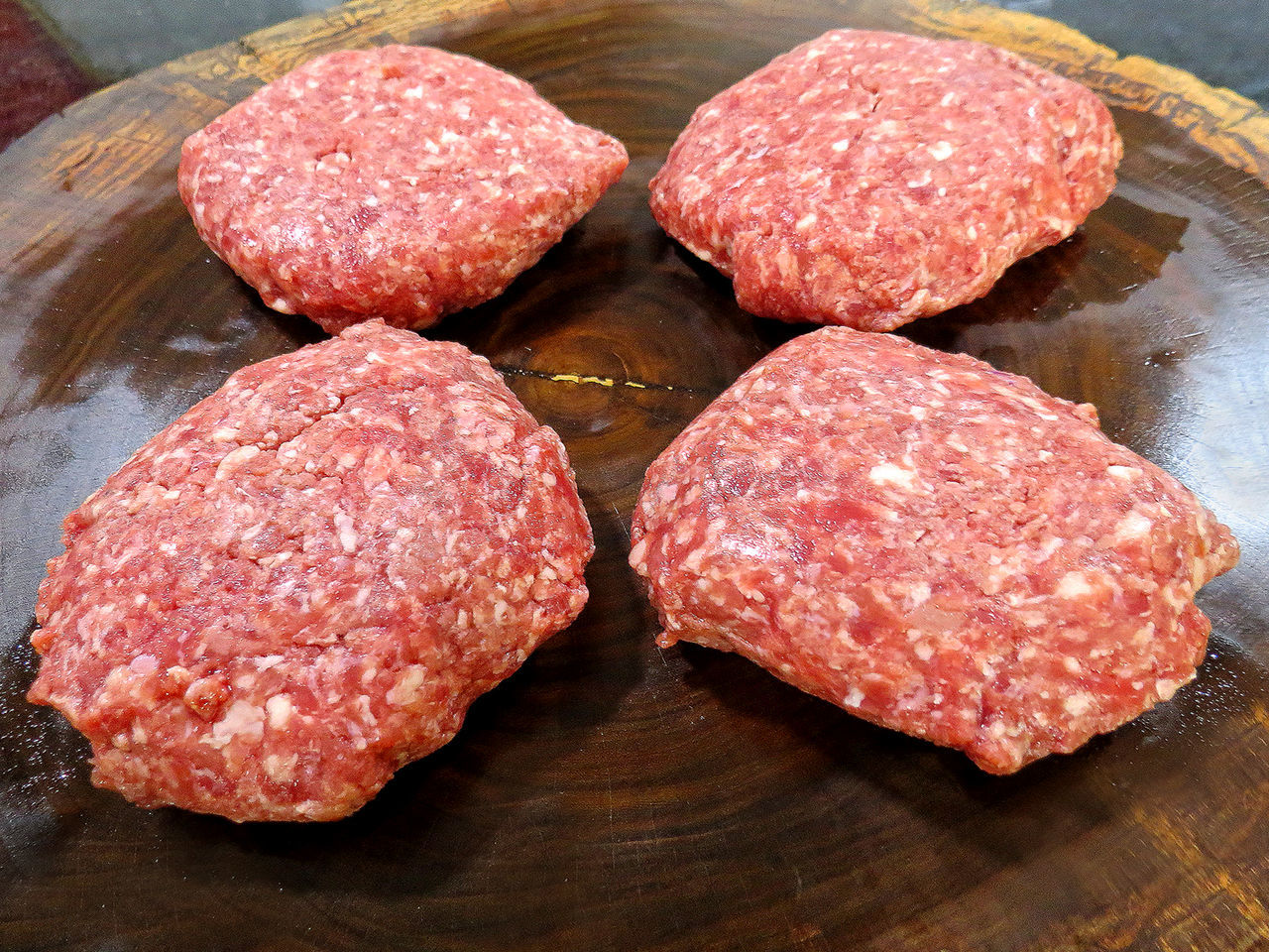 Beef Burger Close-up Day Fast Food Food Food And Drink Freshness Ground Beef Hamburger Indoors  Meat Minced No People Ready-to-eat Red Meat Sesame Snack Table Unhealthy Eating Wood - Material