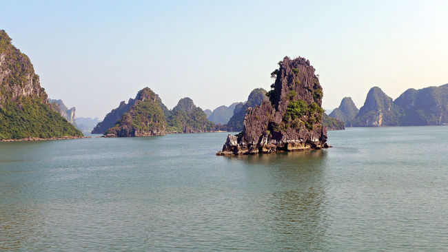 Vietnam Halong Bay a nice journey last year Calm Coastline Halong Bay  Halong Bucht Nature Photography Outdoors Rock Rock Formation Tranquility Vietnam Voyage Water First Eyeem Photo