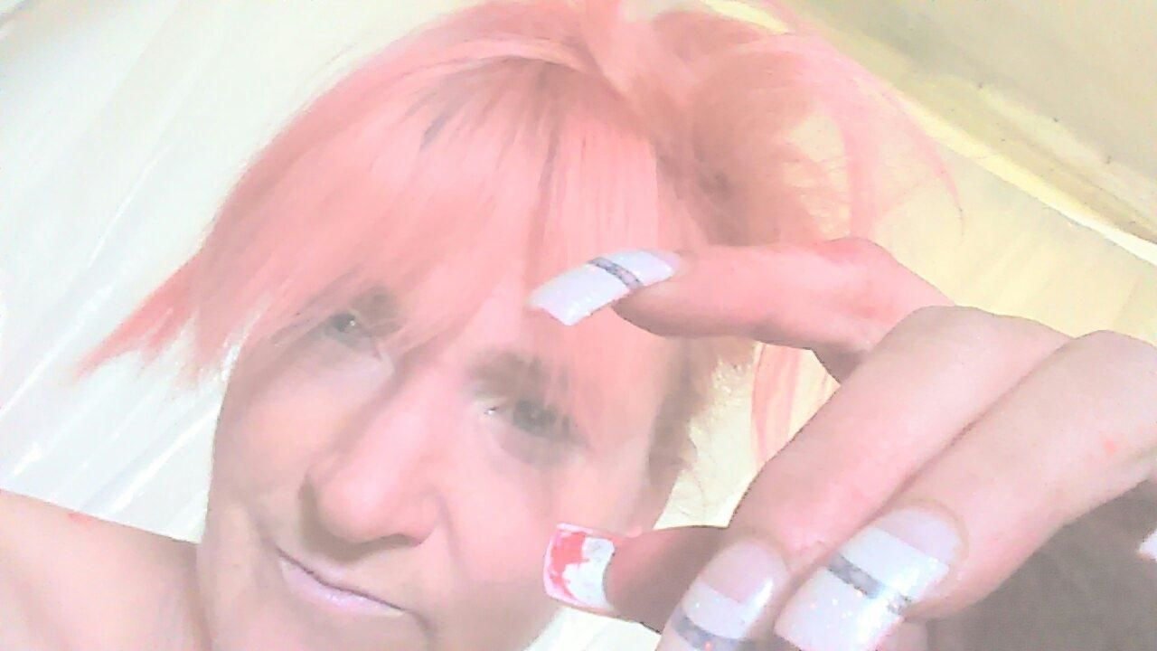 ... .. . Artist Beautiful Woman Close-up Day Hands Headshot Homeless People Human Face Human Hand Indoors  It Is Me Lifestyles One Person One Young Woman Only People Pink Color Real People Rosemary🌹 Young Women