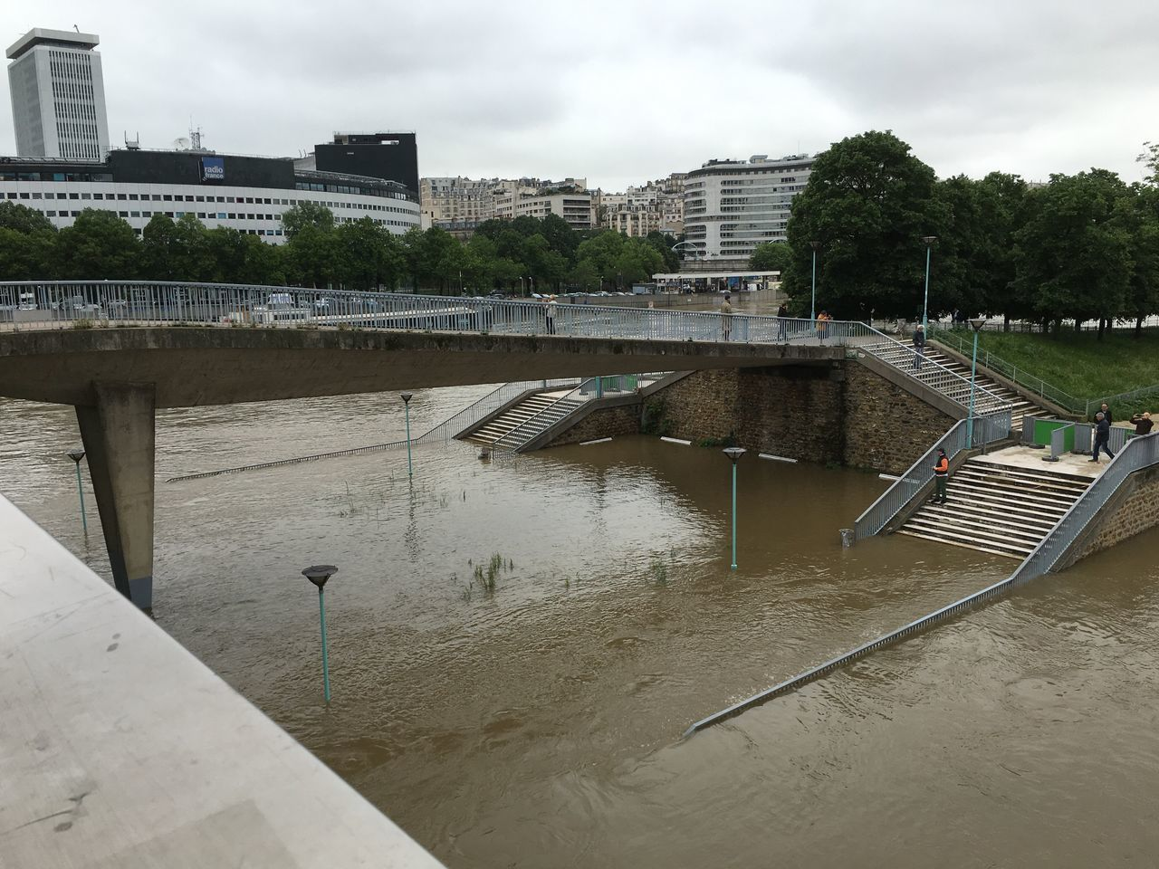Bridge Paris Seine River Crues Violent Nature Exeptional Photographs Landscape Danger Tourist Attraction  Famous Place Flooding River Inundacion Seine Global Warming Urban Landscape Cityscape City Life Flooding Flood River City Summer Inondation Water Waterfront