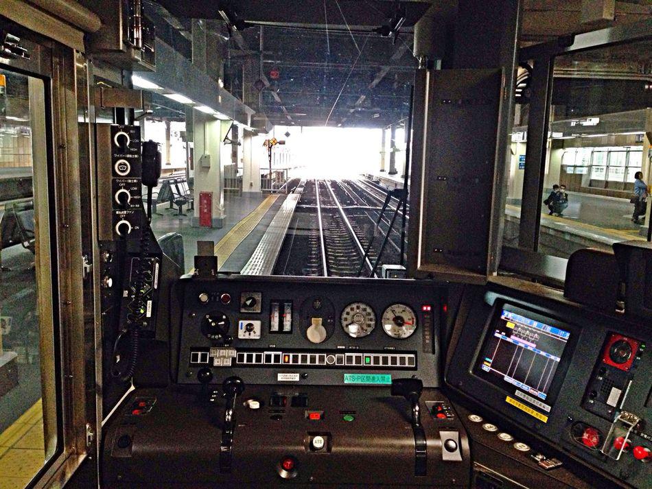 小さい時、電車の運転手になりたかったなぁ〜😊 Cockpit Cockpitview Train Train Station Public Transportation Commuting IPhoneography EyeEm Best Edits From My Point Of View Enjoying Life Public Transportation EyeEmBestEdits Great Views Kanazawa-shi Japan 最近、鉄ネタ多すぎかな?😅