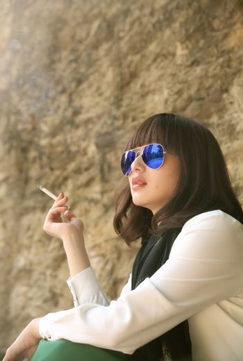Smoke the pain away. Taiwan Taipei City Taiwanese Girl Girl Lonely Taipei Life