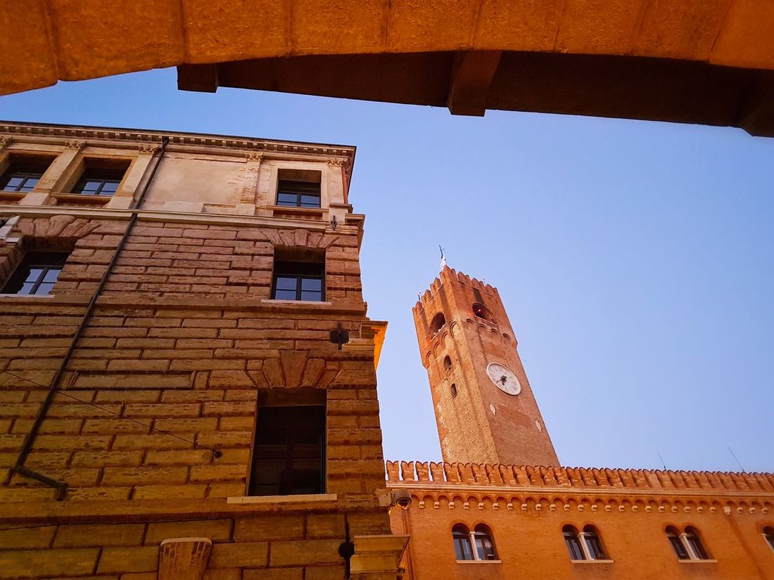 Architecture Travel Destinations Built Structure History Clock Tower Building Exterior Clock Day Outdoors Sky Clock Face Low-angle Shot Merlons Twilight