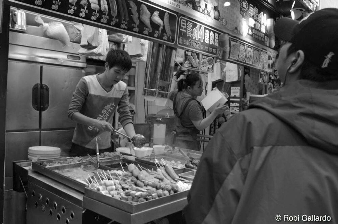 Food And Drink Real People People Blackandwhite Streetphotography Streetphoto_bw Street Photography DSLR Photography Monochrome Eyeem Philippines Dslrphotography Hong Kong Pentax DSLR HongKong Streetphotography_bw