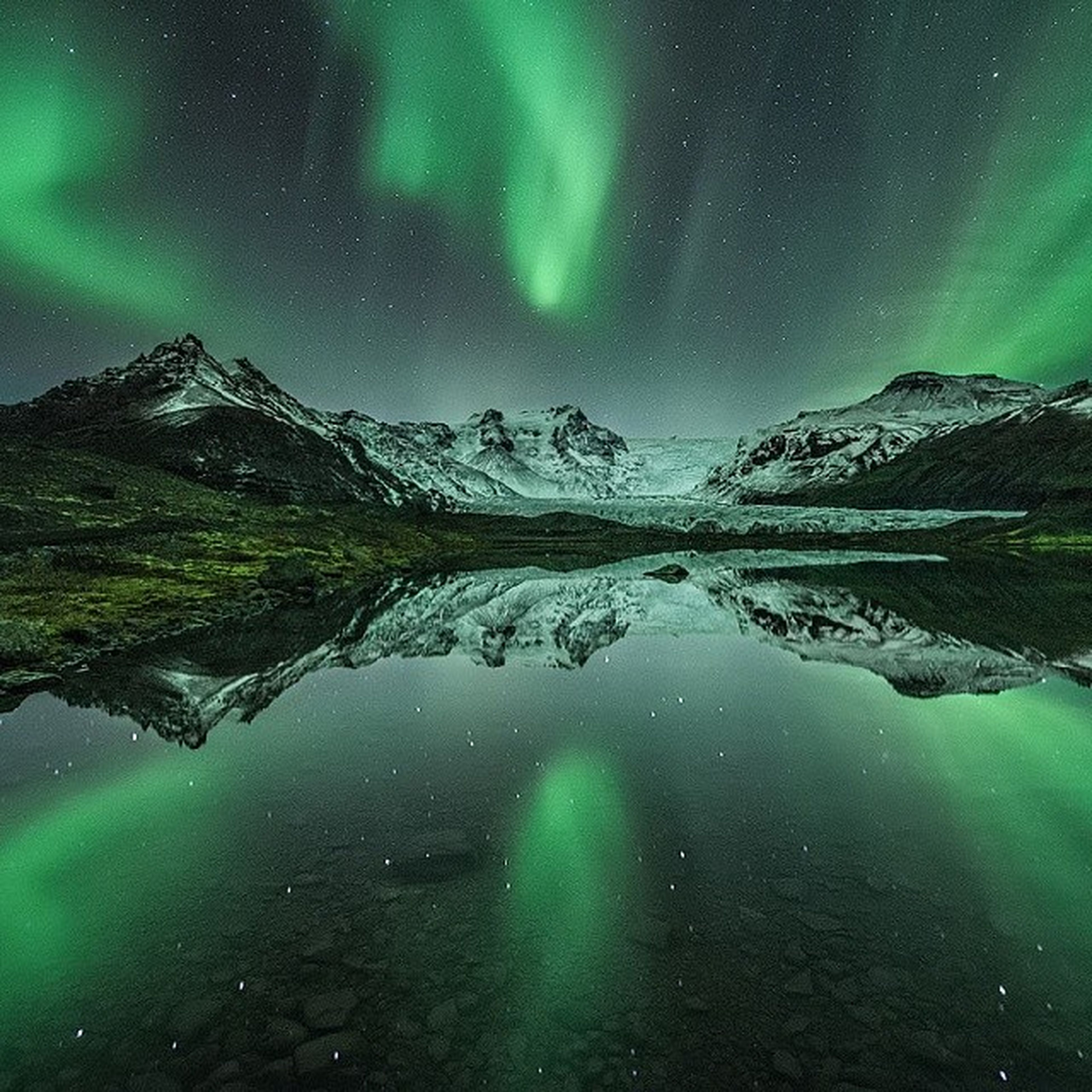 scenics, tranquil scene, tranquility, beauty in nature, mountain, sky, night, water, nature, star - space, astronomy, idyllic, blue, mountain range, star field, lake, majestic, landscape, reflection, outdoors