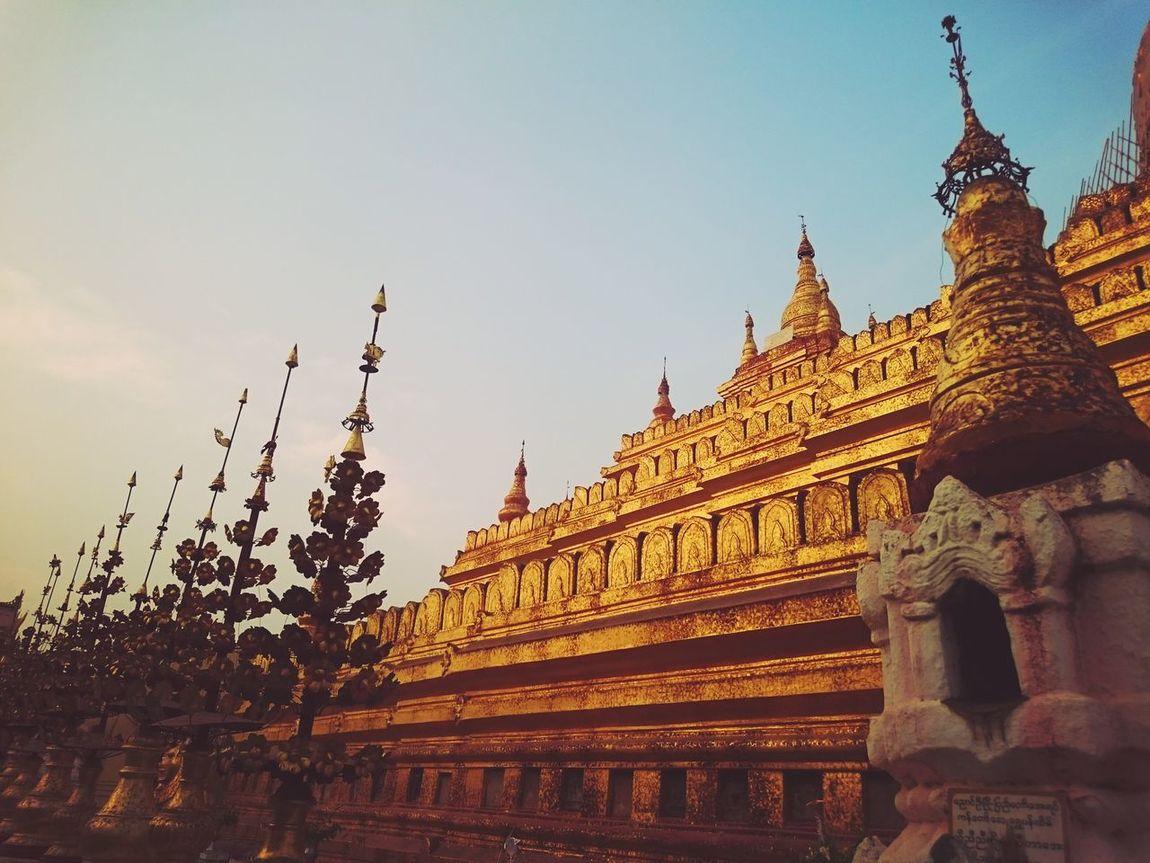 Sunset Dusk Golden Birma Burma Myanmar Bagan Shwezigon Pagoda Nyaung Oo Stupa Buddhist Temple Blue Sky Golden Moments
