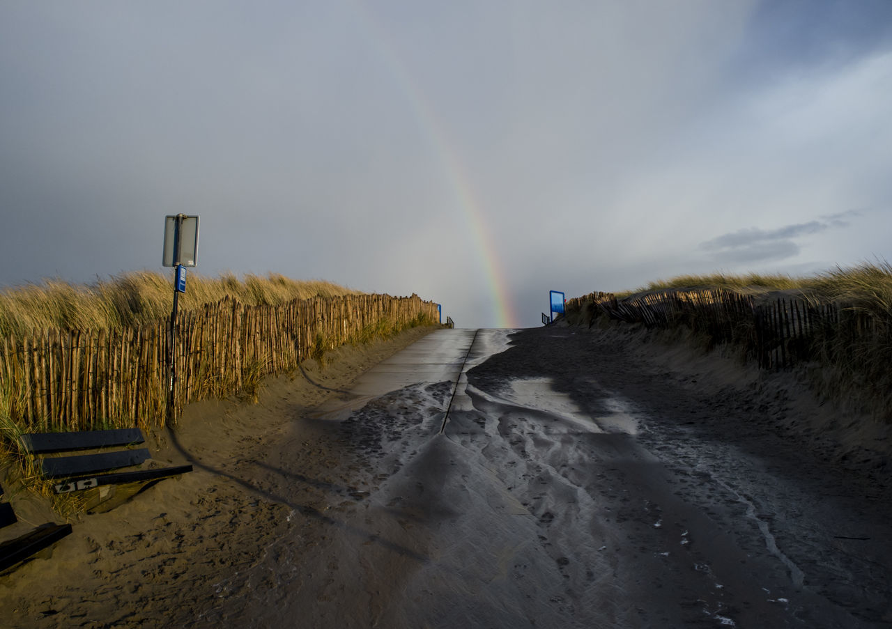 Arc En Ciel Arc-en-ciel  Arco Iris Holland Mer Du Nord Netherlands North Sea Rain Rainbow Regenboog  Skies Sky And Clouds Sunset