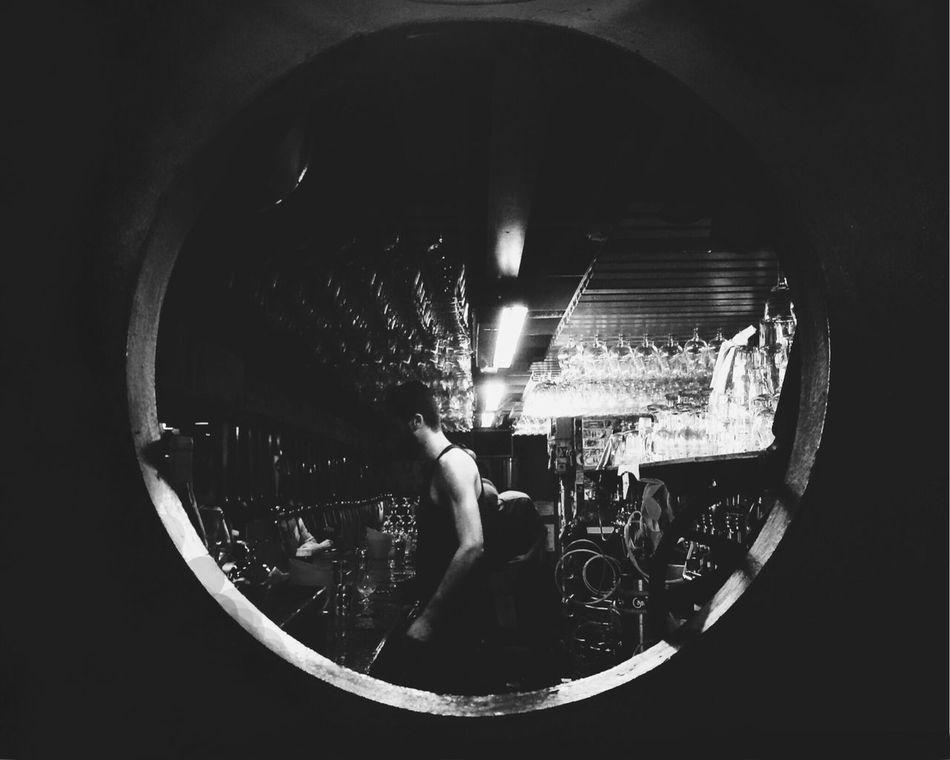 Delirium madness Cafe Bartender Blackandwhite Noir Check This Out Bruxelles Deliriumcafe Belgium
