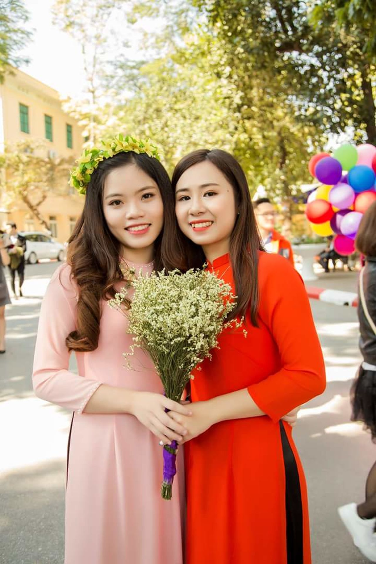 Only Women Young Adult Friendship Beautiful People Looking At Camera Portrait Beauty Adults Only Young Women Adult City Fun People Two People Standing Outdoors Beautiful Woman Smiling Tree Cheerful aodai AoDaiVietnam Beautiful People Looking Down One Young Woman Only Selfie ♥