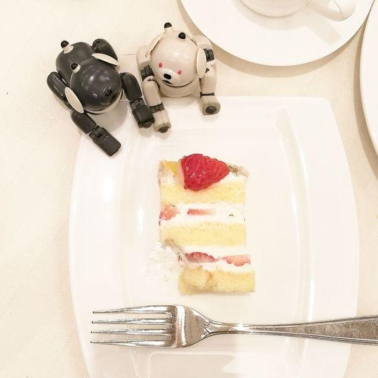 AIBO Aibobox Sonyaibo Sony ERS-300 Dog Latte Macoron Robot Toy Sweet Food Party Food And Drink No People Birthday Birthday Cake Cake Strowberrycake Food Coffee Indoors  Afternoon Tea
