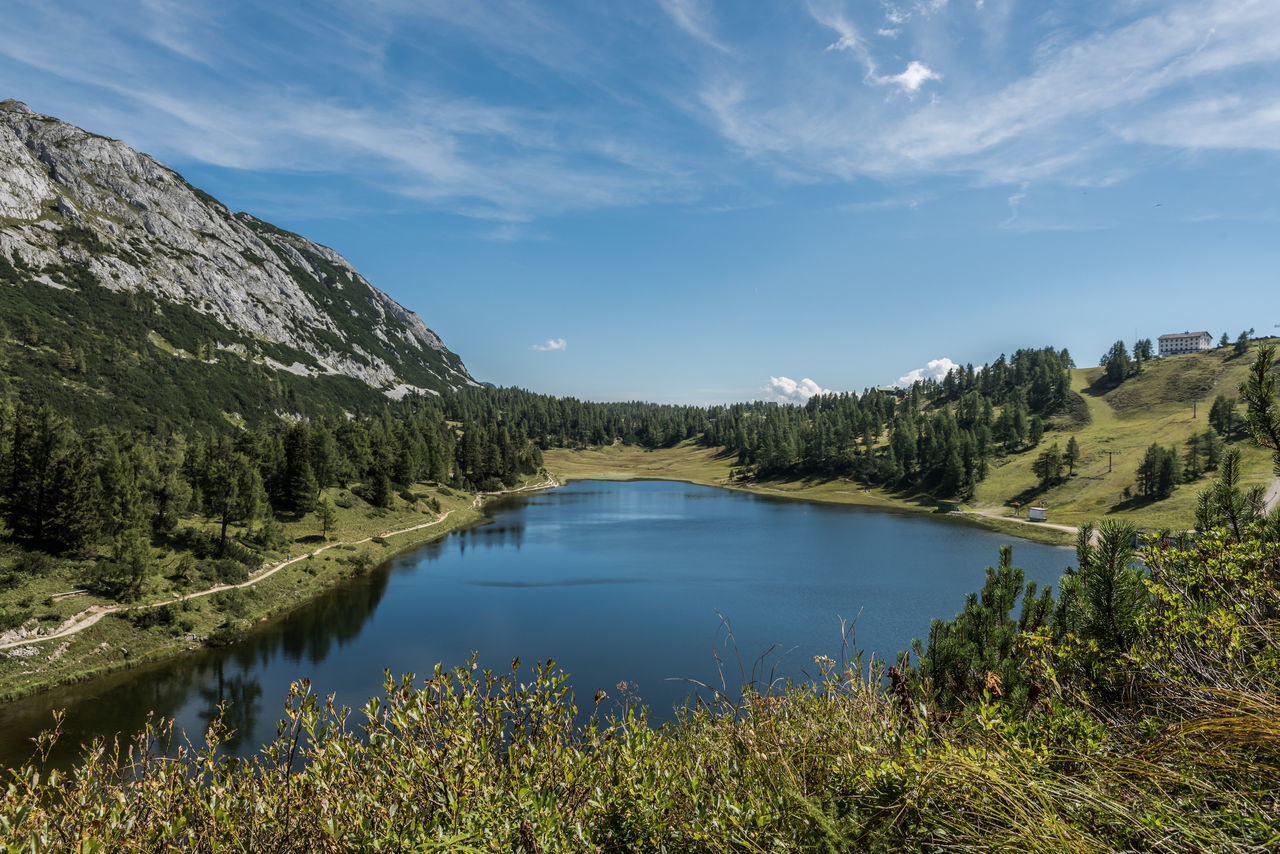 Berg Bergsee Blau Bäume Gebirge Grün Himmel Landschaft Natur See Steiermark Sträucher Wandern Weg Weiss Wolken Österreich
