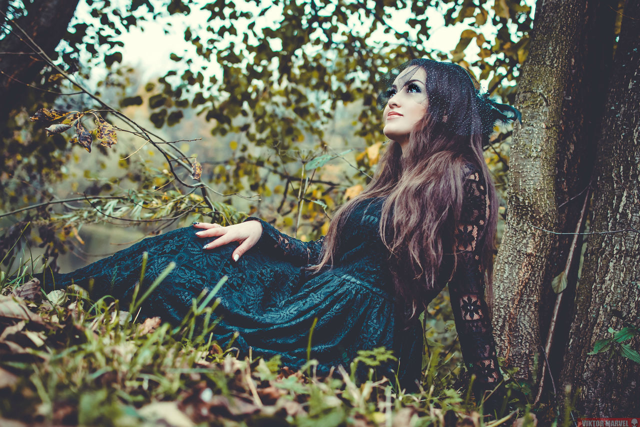 Young Adult Nature Only Women Grass Tree One Woman Only Adult People One Person Beauty Forest Women Plant Beauty In Nature One Young Woman Only Adults Only Wilderness Area Outdoors Young Women Day Photography Gerl