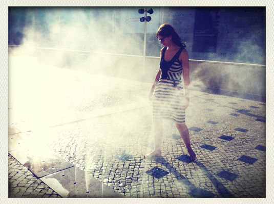 Cooling off at Museu Colecção Berardo by Marv Marvsen