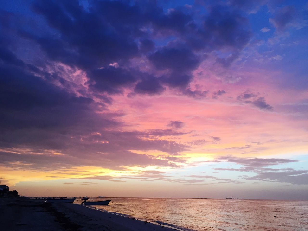 Sea Sunset Sky Water Beauty In Nature Scenics Nature Horizon Over Water Cloud - Sky Tranquil Scene Beach Tranquility Outdoors No People Silhouette Yucatan Mexico Atardecer Mexico Scenery