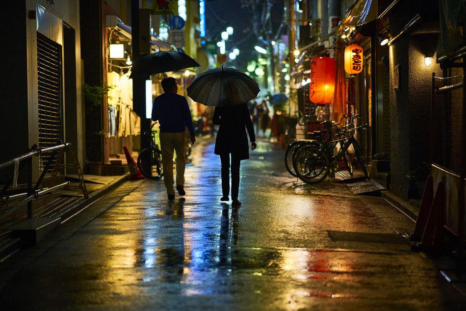 City Eye4photography  EyeEm Best Shots EyeEm Gallery Illuminated Night Night Lights Night Photography Night View Nightlife Nightphotography Real People Silhouette Street Photography Streetphotography Tokyo Tokyo Street Photography