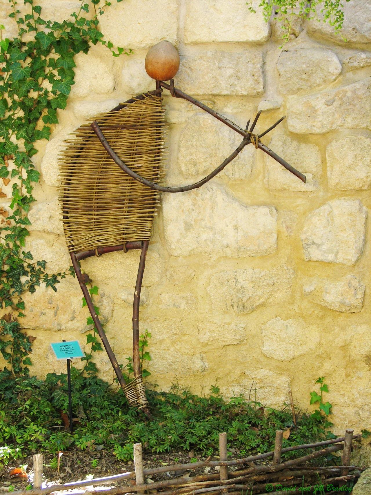 ArtWork Castle Gardens Hand-crafted Medieval Gardens Natural Materials Pipe Player Uzés