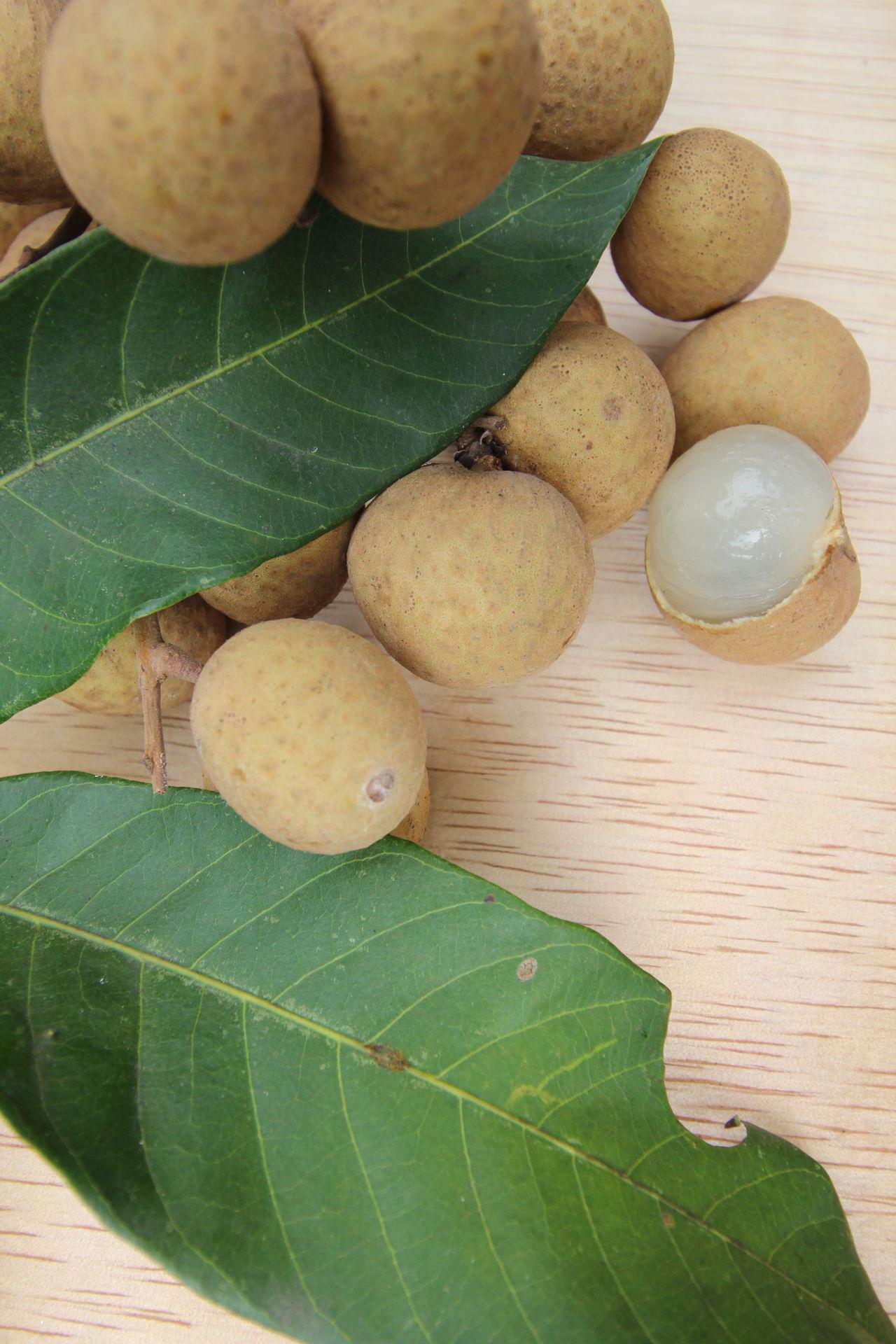 ฤดูลำไย Lamyai Close Up Fastival Fresh From Thailand Fruit Herb Longan Northern On Wood Sweet