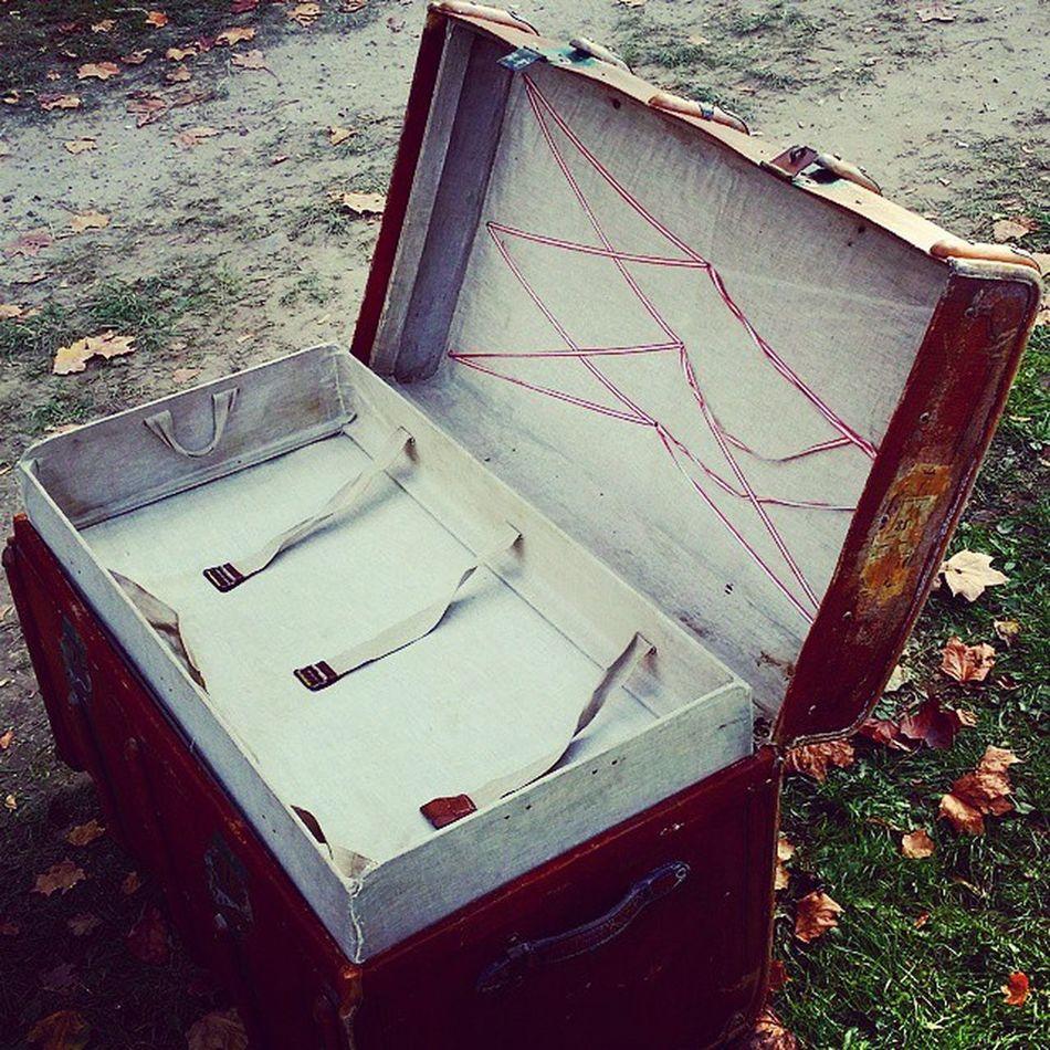 Spontankauf! Aber irgendwie hätte ich mich in Sachen Fahrradtaschen klarer ausdrücken sollen 😁 Antik Koffer űberseekoffer Alt Traventhal Flohmarkt