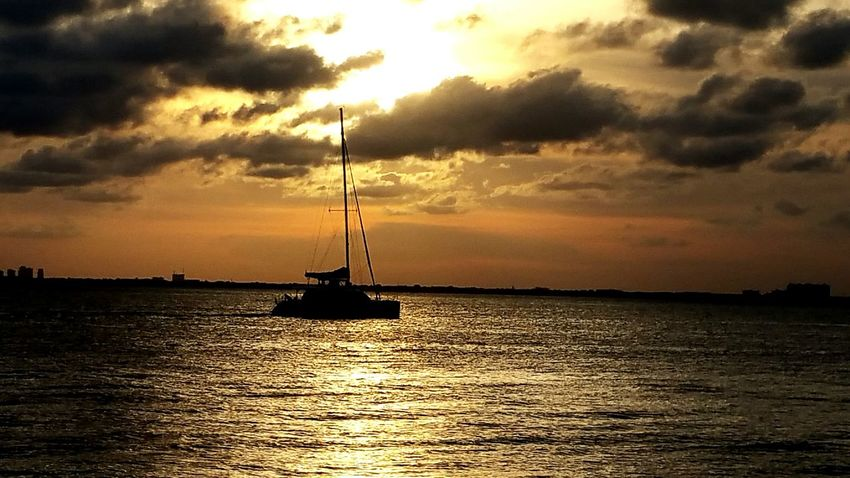 Boats⛵️ Sailing Yacht Yachtlife Yacht Harbor Seascape Sea And Sky Oceanlife Sunset Sunset Silhouettes Sunset_collection Sunsets Sunsetlover Sunsetphotographs Sunset Lovers Showcase July