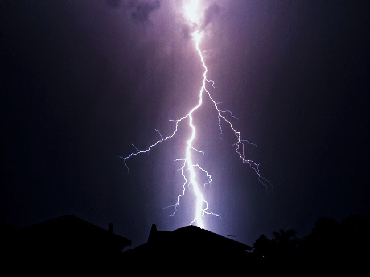 Learn & Shoot: After Dark Moody Sky Southafrica Johannesburg Strike Bolt Wild Weather Perfect Shot Extreme Weather JoziStorm Lightning Electric Storm Storm South Africa Lightning Bolt Weather Lightning Storm Stormy Weather Electricity  Strike! Thunderstorm Light Show Electric