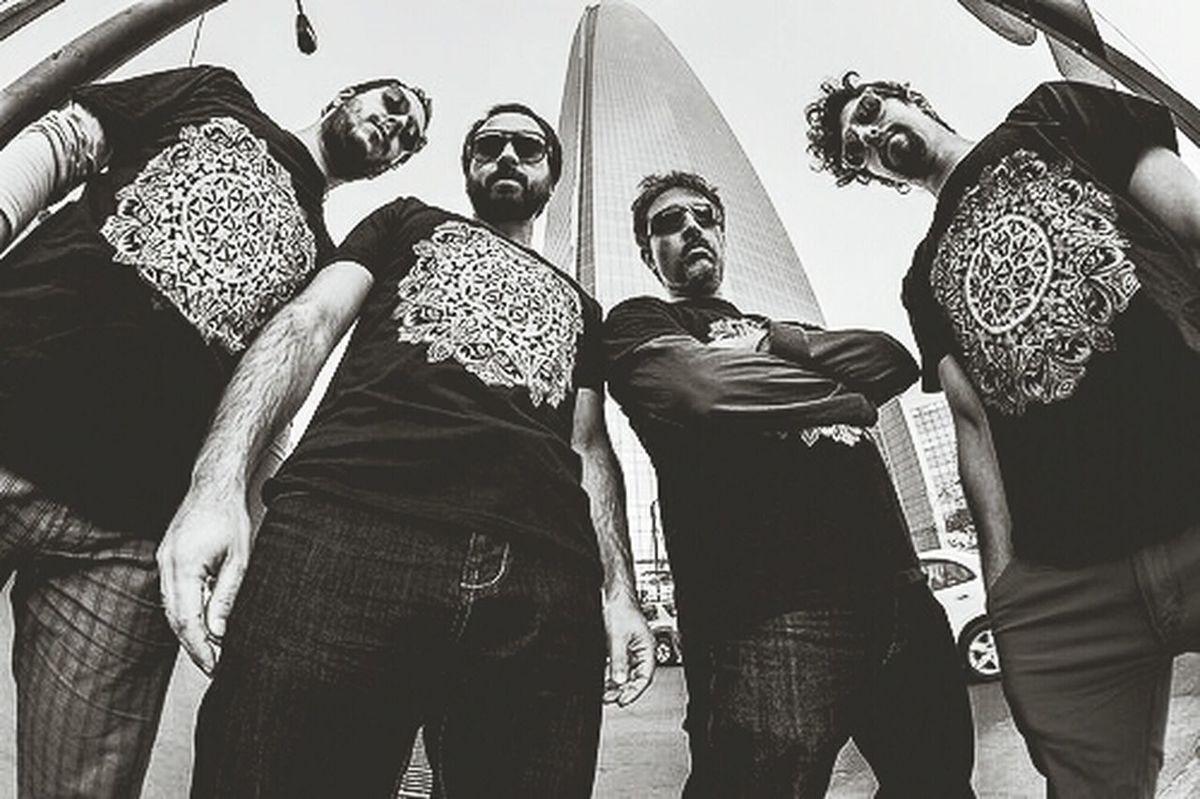 Foto promocional banda nacional La Horda - Photography Promotional Chilean music band Music Photoshoot Book Costanera Center