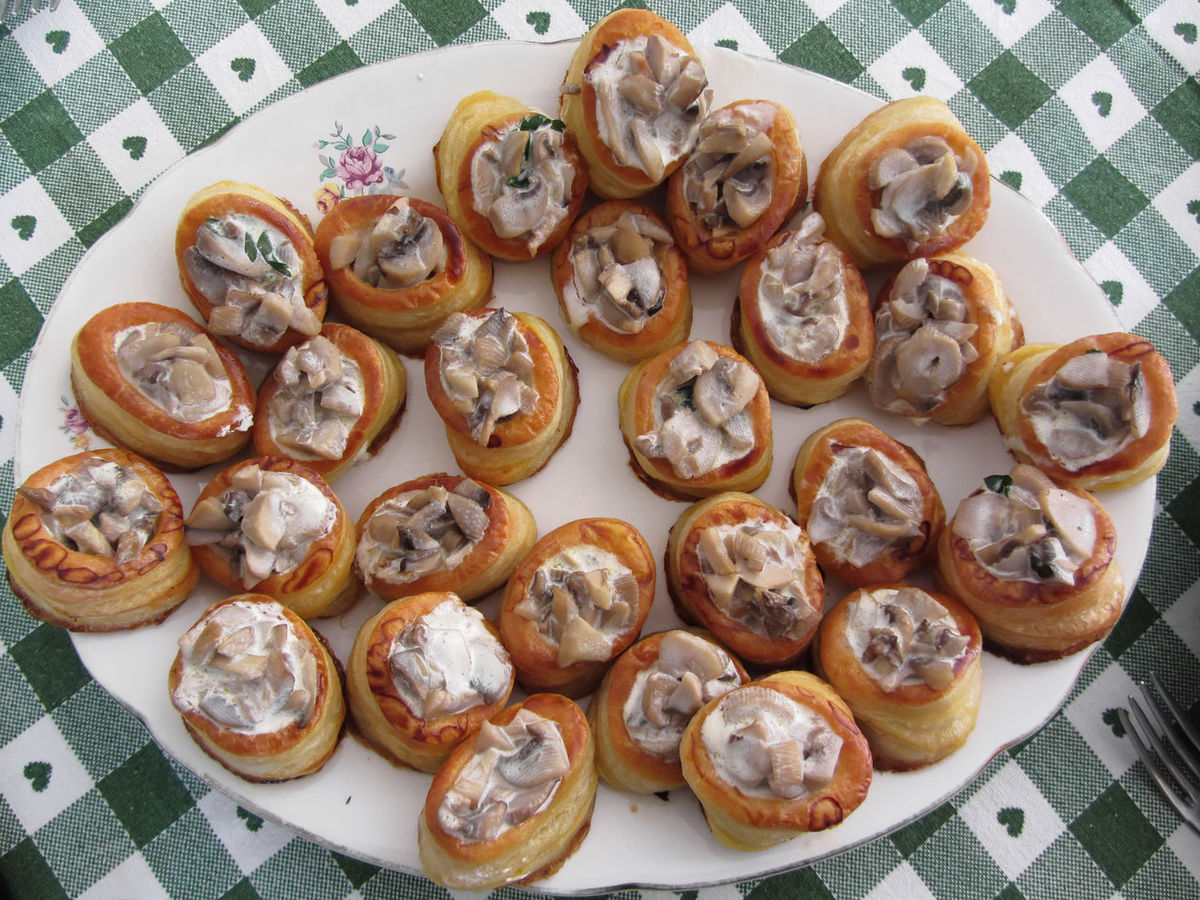 Vol au vents filled with chopped mushrooms and cooking cream Appetizer Baked Buffet Chopped Cocktail Cooking Cream Cuisine Culinary Dinner Filled Food Ingredient Italian Meal Mushroom Pastry Plate Recipe Sauce Snack Starter Vegetable Vol Au Vent Vol-au-vent