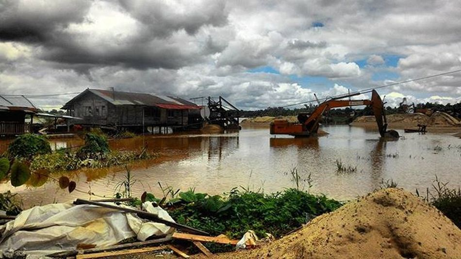 ThrowbackwhenfloodinKuching Eyeemnaturelover Flood Sarawakmalaysia Thunderstorm Sunnyhalfdarkevening