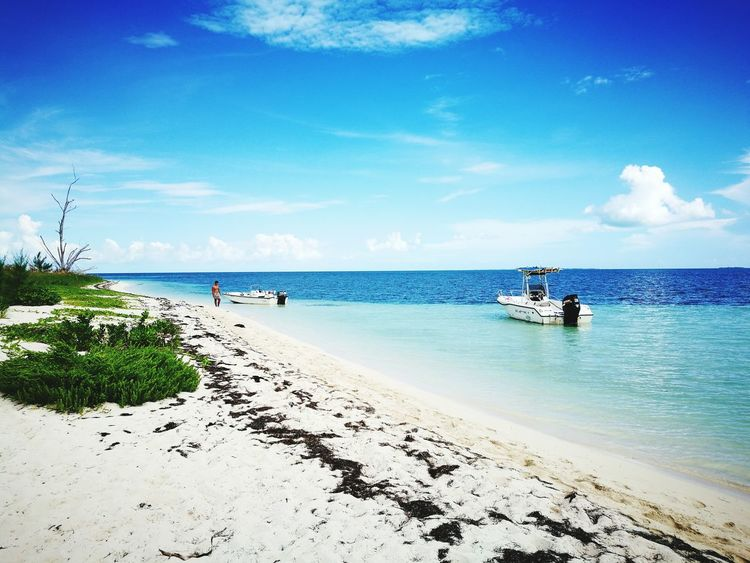 White Sand Island Relaxing Bahamas Blue Alone