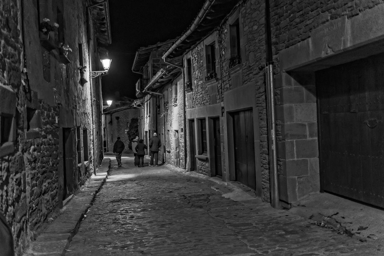 Nikon Dslr Nocturna Streetphoto_bw