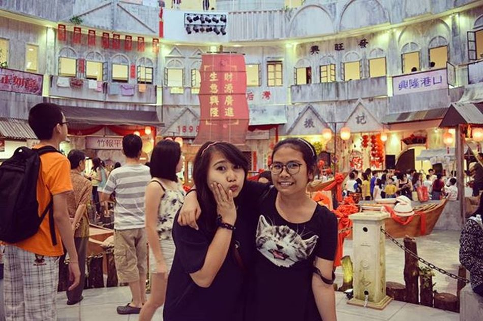 Guess where is it? They're lookin' for the things about Chinesnewyear Latepost