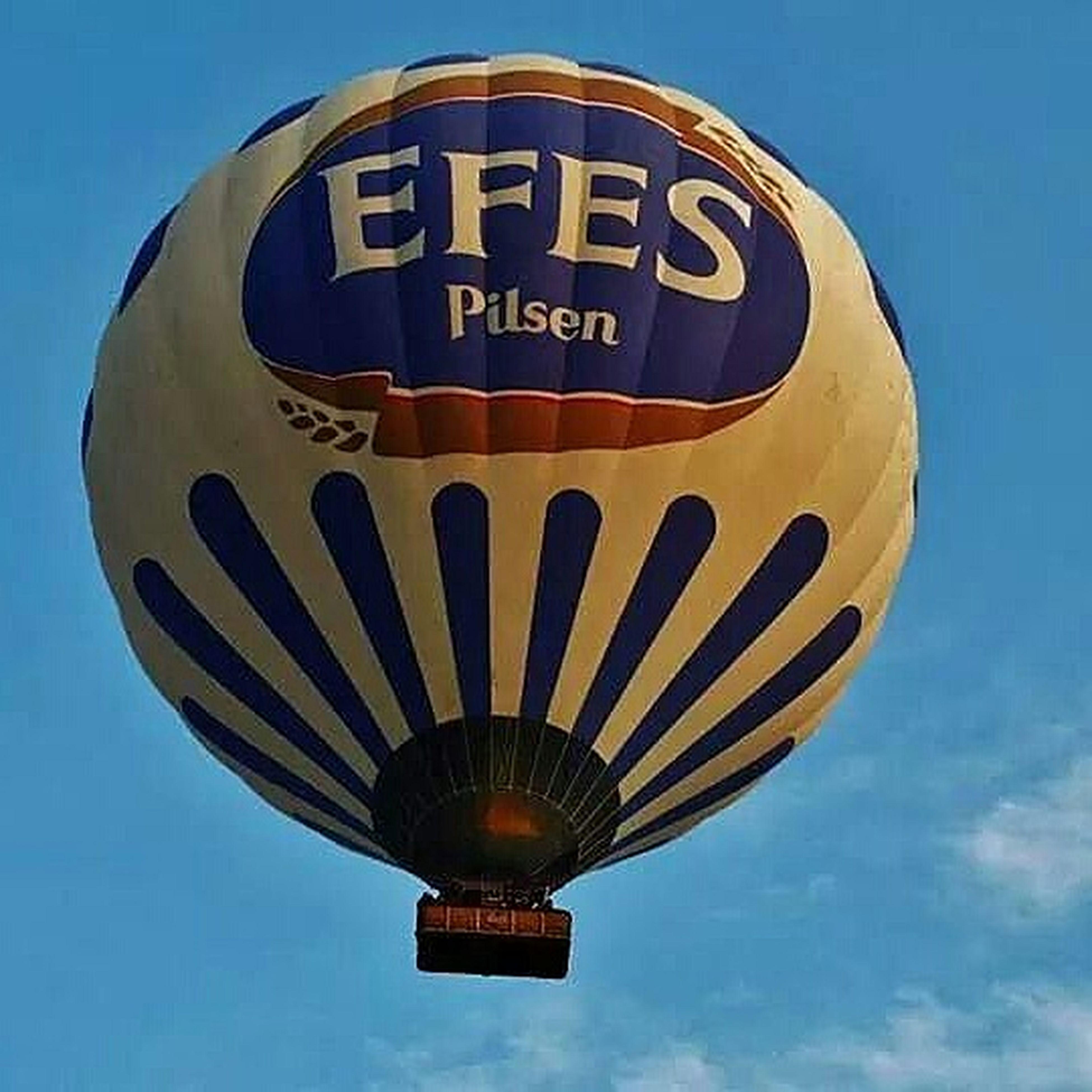 Kapadokya semalarında süzülen Efes Balonu :) Fujifilm X- S1