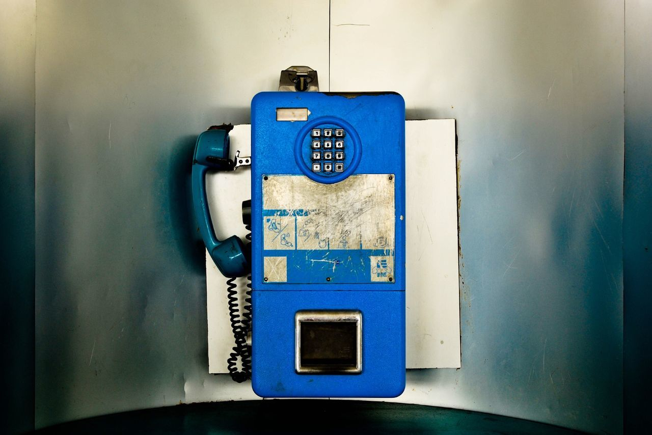 Gotta a call Telephone Vintage Blue