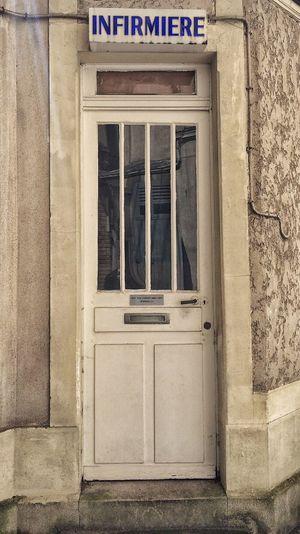 💼. 📌 #Infirmerie 📍 St-Maur des Fossés - Bd de Champigny 📅 06.05.2015_14:30 📱 #iPhone6S #ProCamera #Skrwt #SnapSeed • Infirmary • IPhone Procamera Skrwt Snapseed •