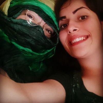 Eu de muçulmana e a Nanda de brasileira mesmo -.- Bff