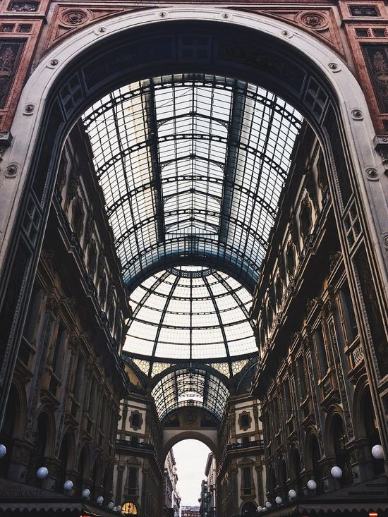 Architecture Travel Ceiling Indoors  Travel Destinations City Tourism Built Structure No People Day Sky милан Milano Italy
