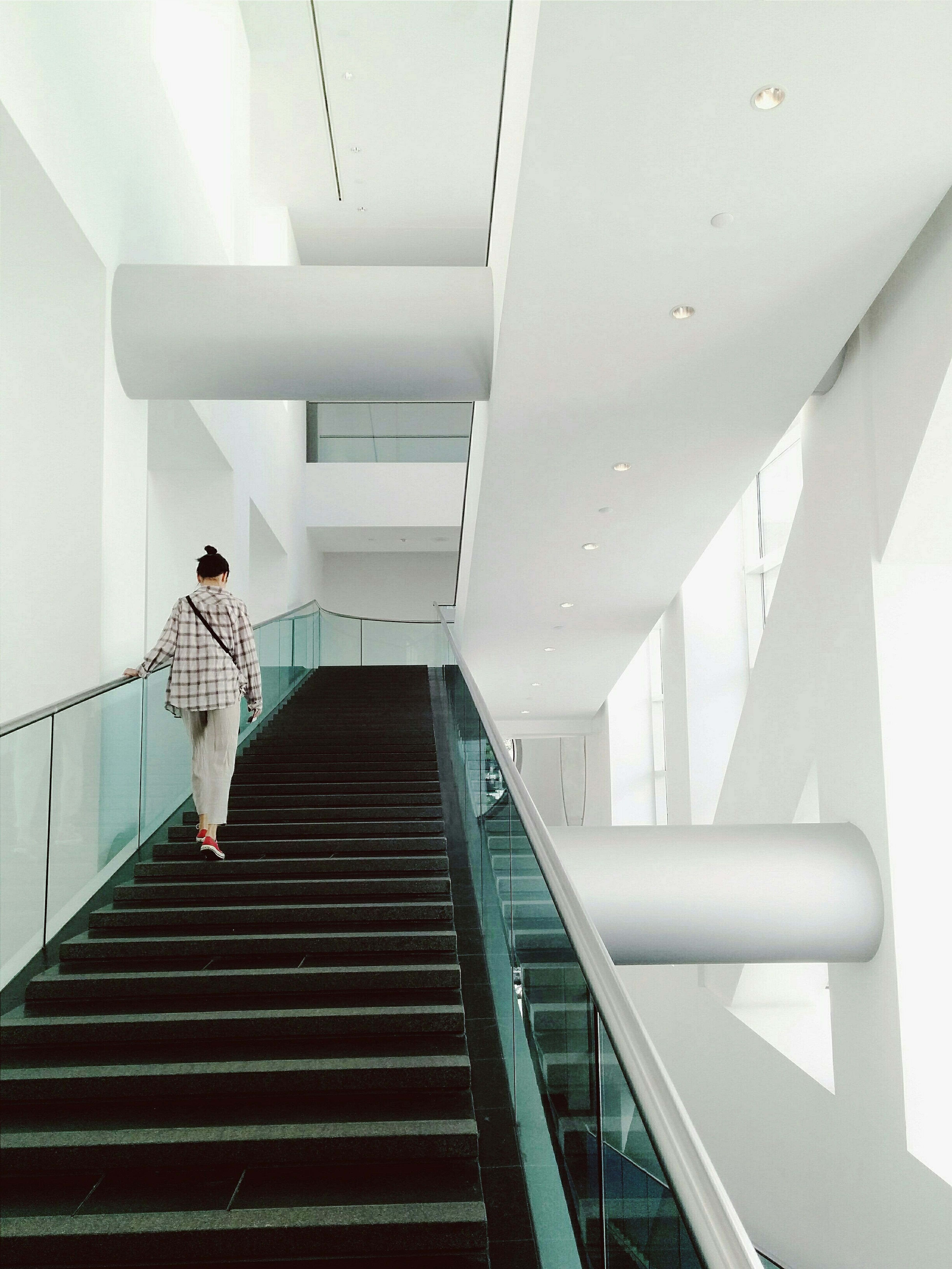 Museum Stairs Staircase Vscocam White Minimalism Minimal Minimalist Learn & Shoot: Leading Lines
