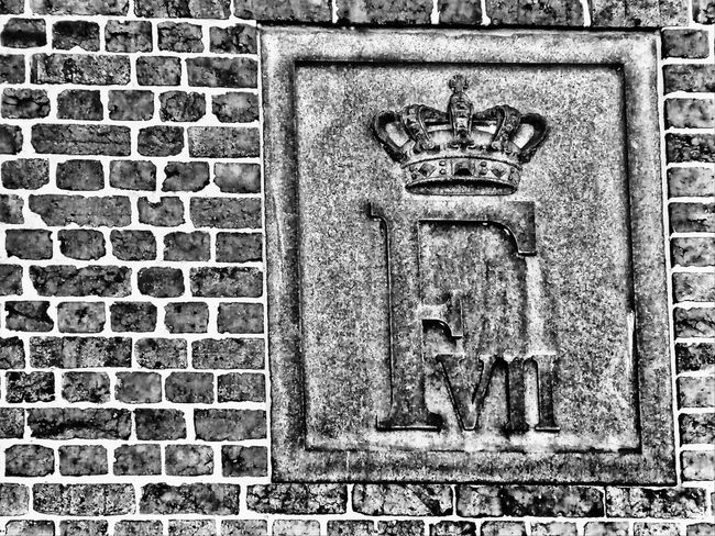 brick structures Architecture Brick Brick Structure Bricks Bricks And Mortar Bricks Wall Building Exterior Built Structure Close-up Crown Day F No People Outdoors Royal Shield Royal Symbols Shield Symbol