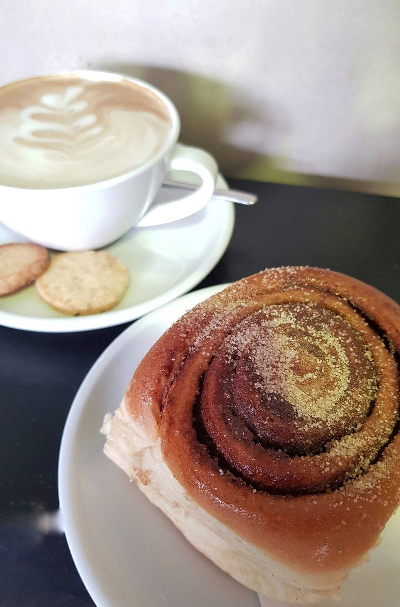 ♡ 《 At Work With Love Breakfast Coffee Cup Coffee - Drink Food And Drink Food Sweet Food Cappuccino Ready-to-eat Cinamonroll Sweet Breakfast  Coffee Time Latte Art Lover Latteart 》