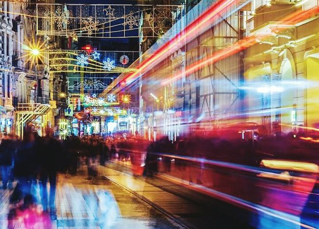 Istanbul Taksimbeyoglu Rengarenk Gece Gecehayati Eğlence Muzik 🎼🎶 Dans Sokaktahayatvar
