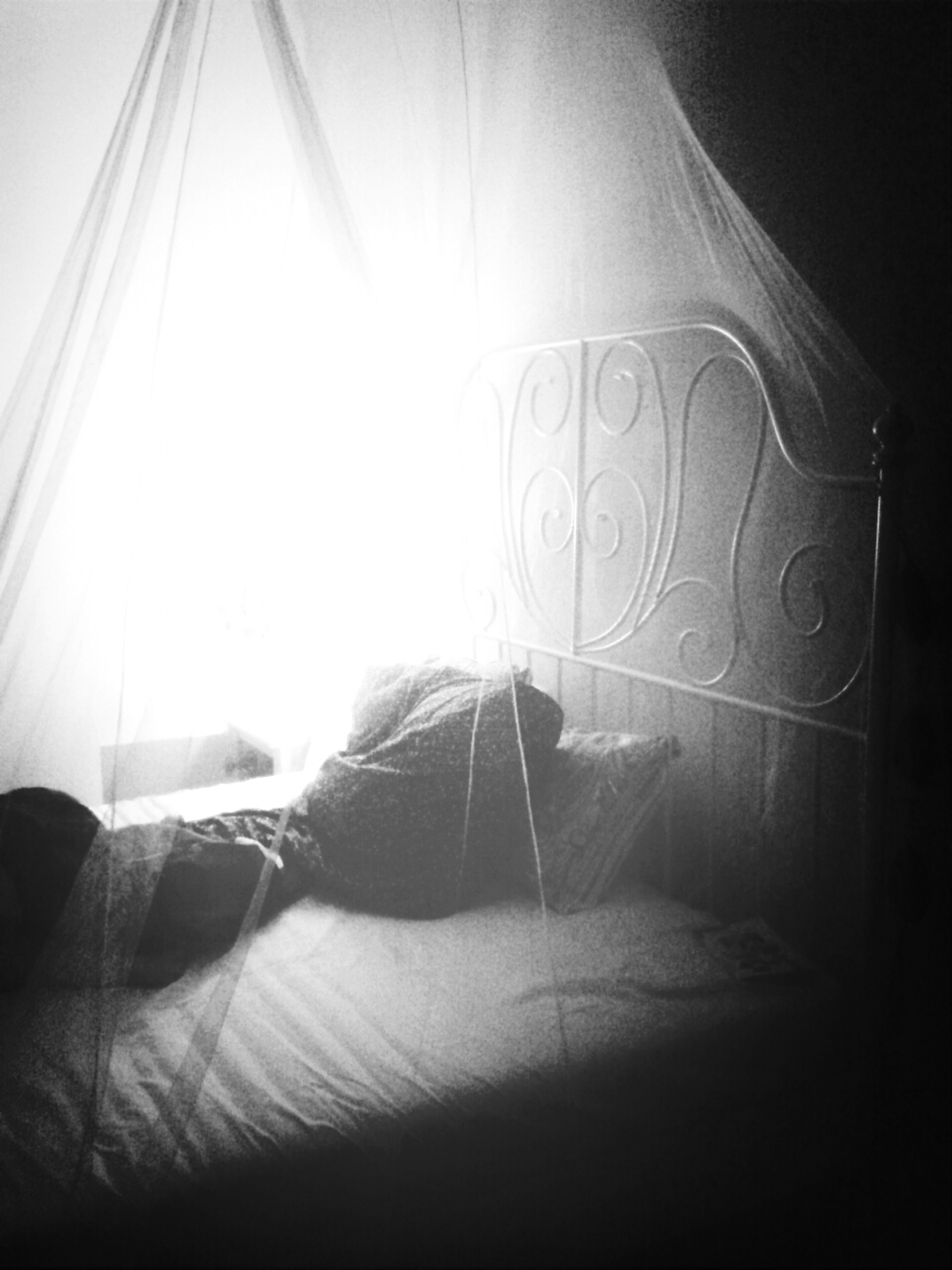indoors, sunlight, close-up, home interior, part of, shadow, illuminated, light - natural phenomenon, lighting equipment, absence, copy space, dark, fabric, lens flare, electricity, day, textile