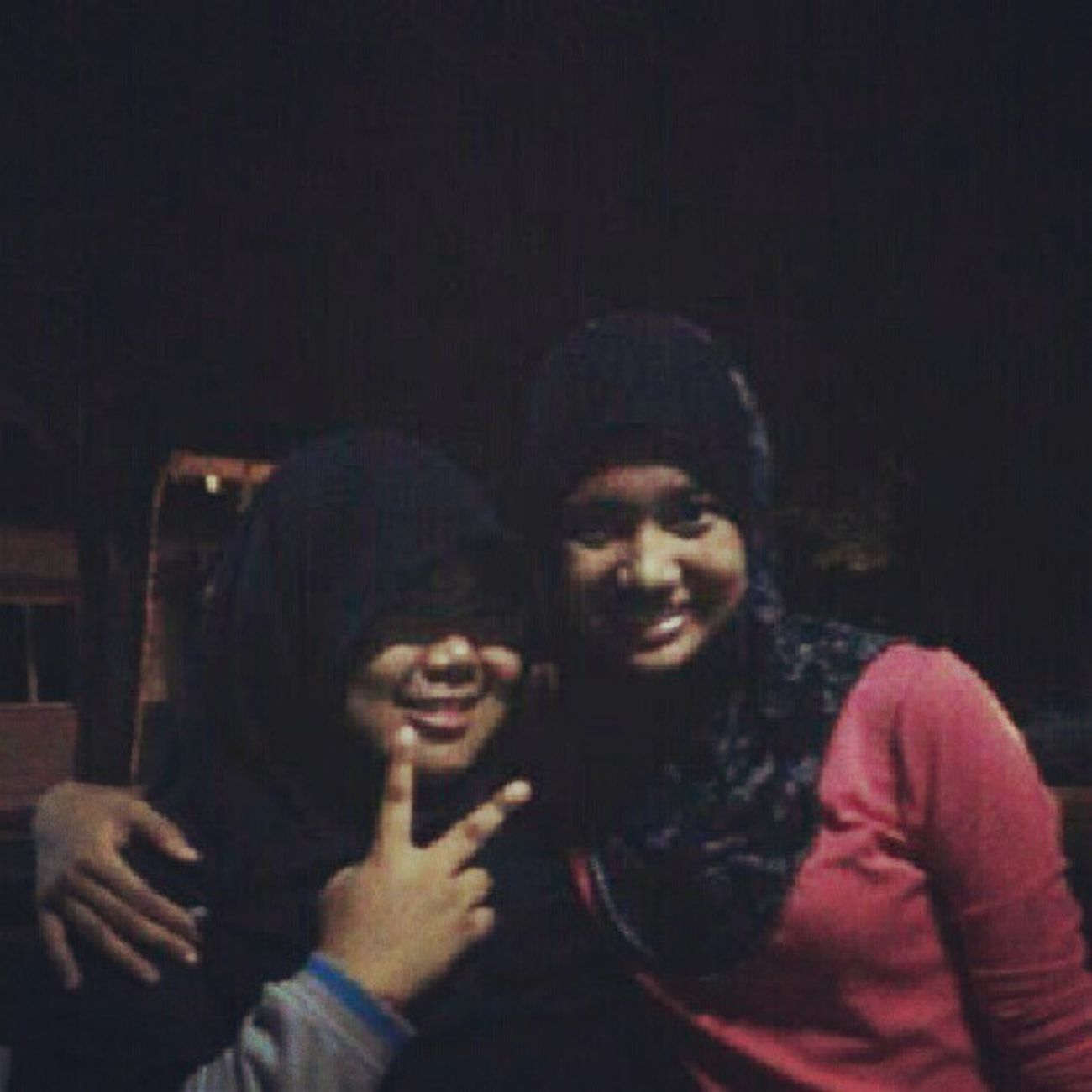 Hawa made a supprise last thursday...dtg Uitm... Thanks hawa !Friends Supprise Chitchat Badlighting