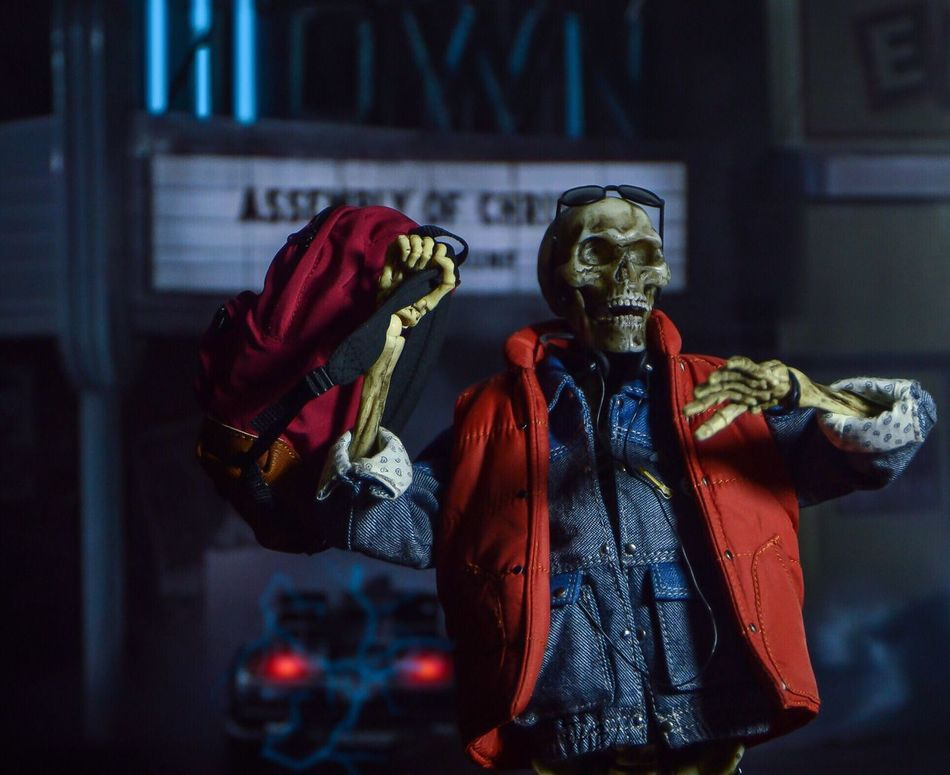 "In the end, time traveling catches up to you"" Toyphotography Movies 80s Hottoys Backtothefuture Michaeljfox Figure Skeleton Martymcfly"
