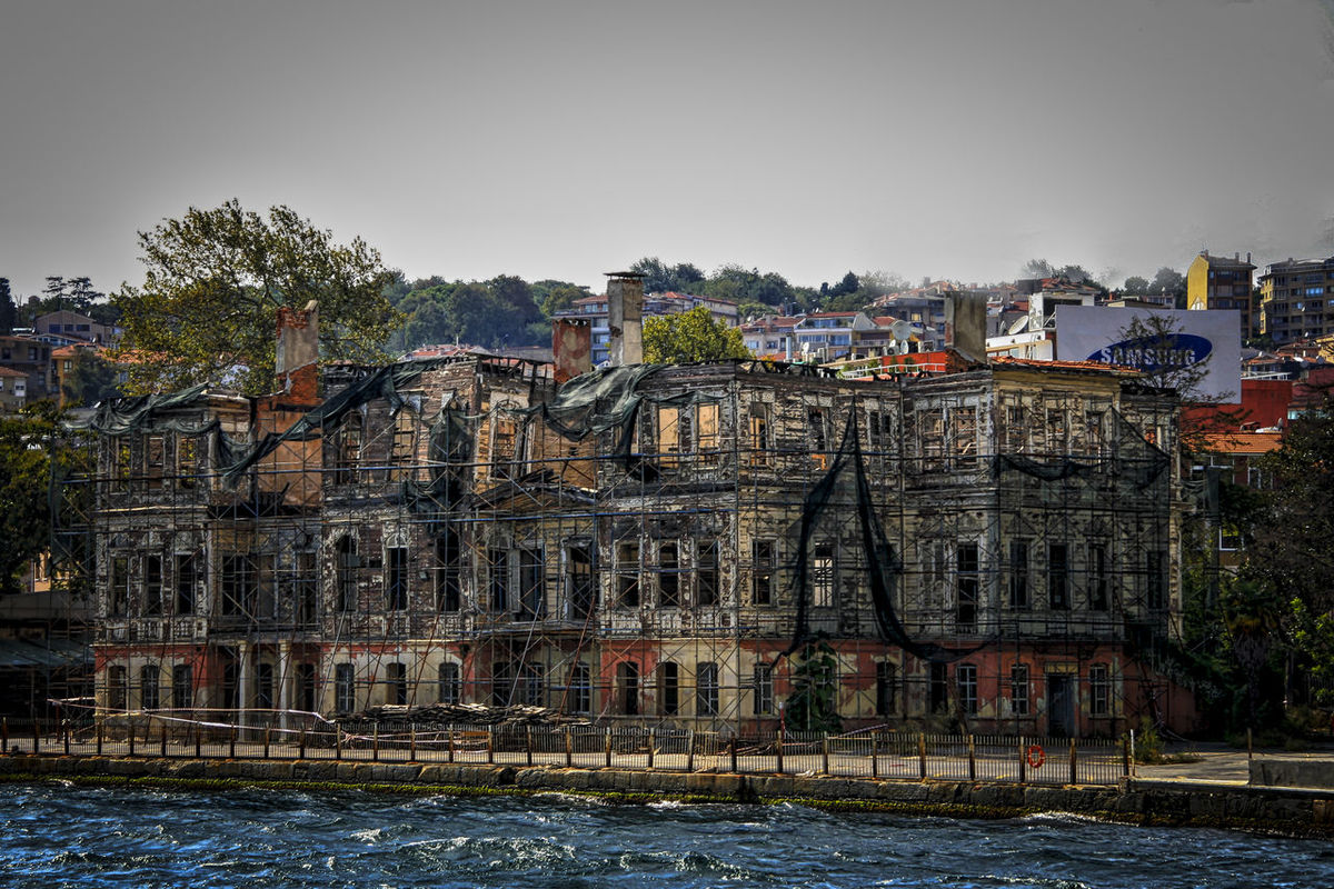 Abandoned Buildings Architecture Battle Of The Cities Building Exterior City City Life Cityscape Dramatic Eyeemphoto Eyeemphotography Hidden Gems  Istanbul My Favorite Place Mystical Atmosphere No People Ruins Seashore The Magic Mission Town Under Renovation  Urban Beauty Urban Exploration View From The Ship Waterfront EyeEm Best Shots
