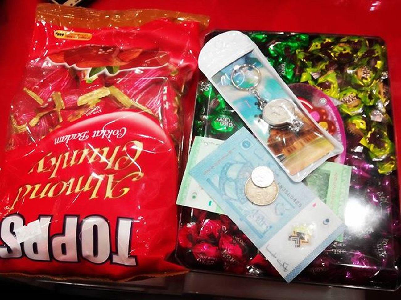 Yang tersisa dari KL Kualalumpur Coklat Oleholeh Gantungankunci brown red yummy
