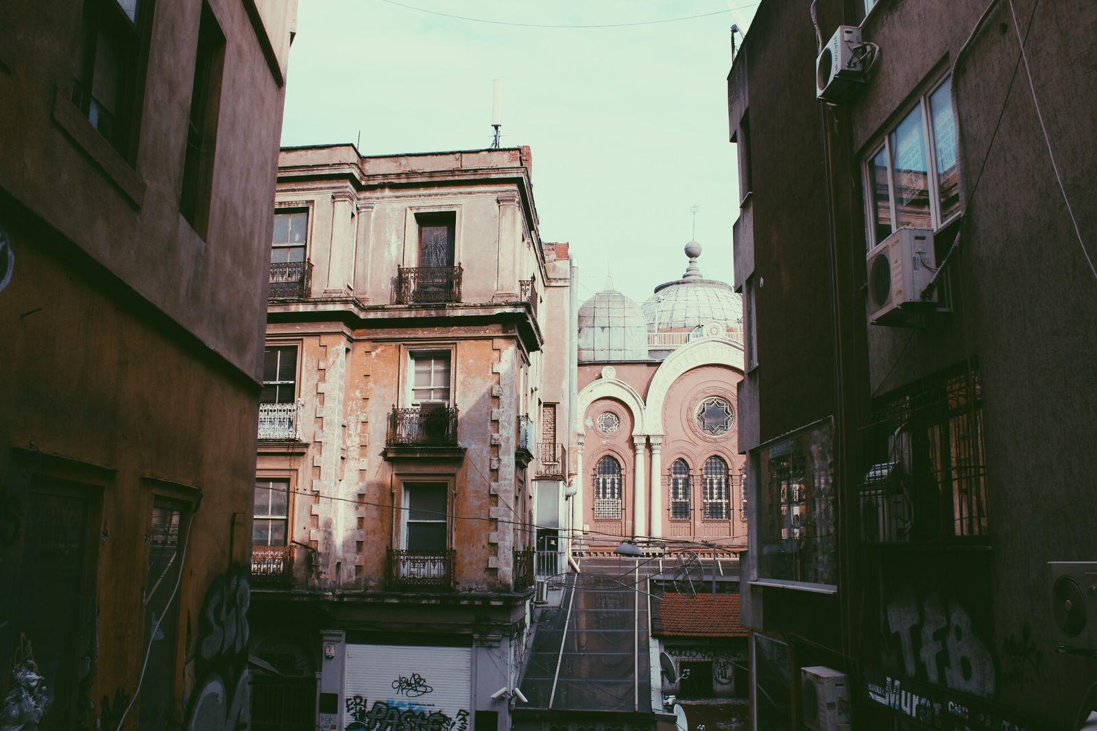 Galata Street Art Oldbuildings