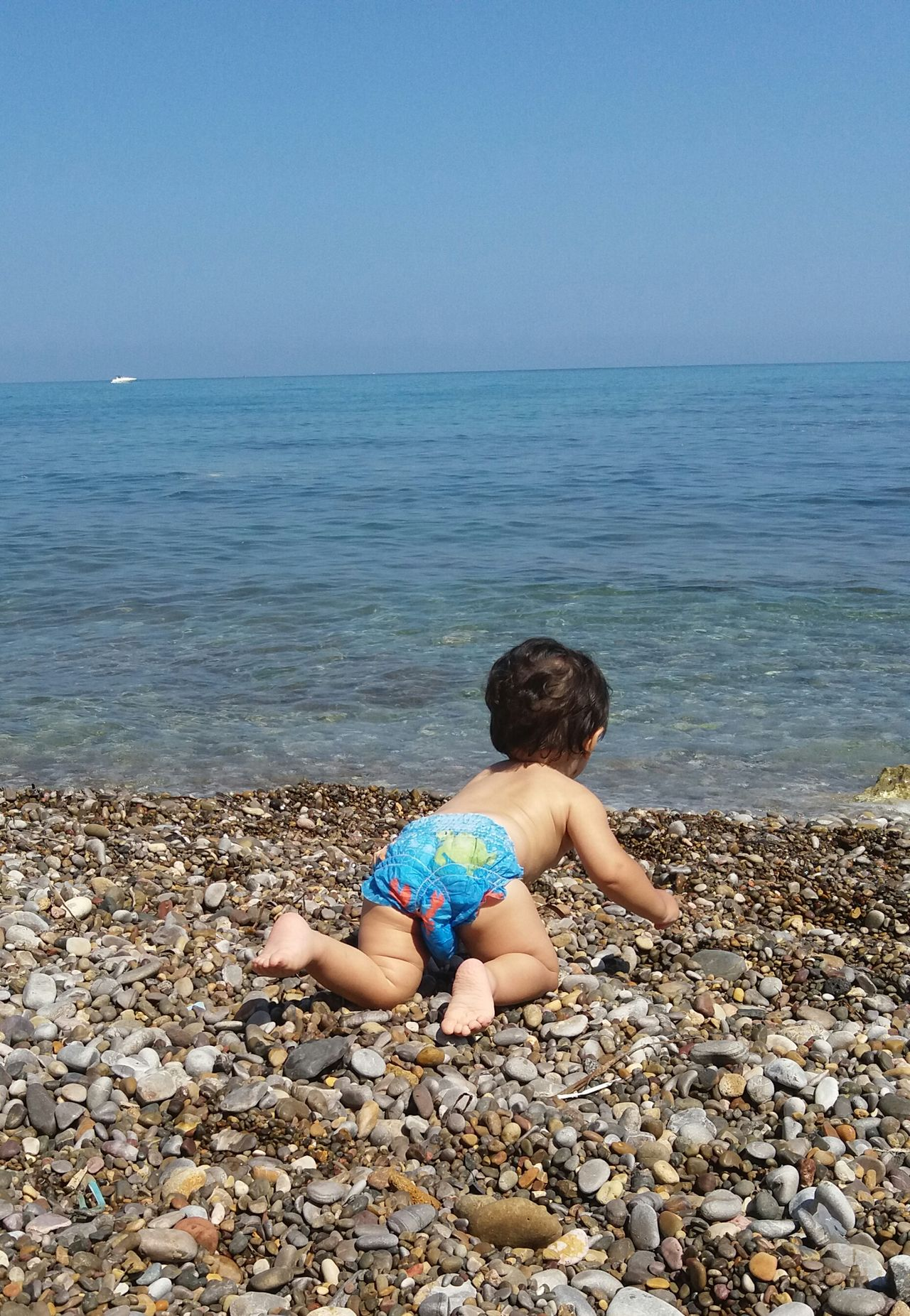 Spiaggia Sky Himmel Sea Relaxing Beach Strand Cielo Mare Sicily Italy No Filter Altavilla Milicia, Palermo Province, Sicily. Bambino Junge Kind Child Play Sassini Steine Baby Summer Estate In Motion
