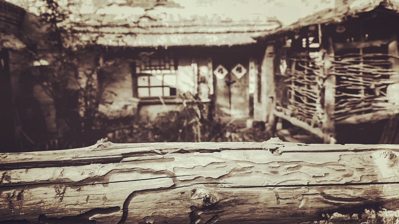 abandoned, built structure, damaged, no people, architecture, weathered, run-down, focus on foreground, destruction, day, building exterior, outdoors, close-up
