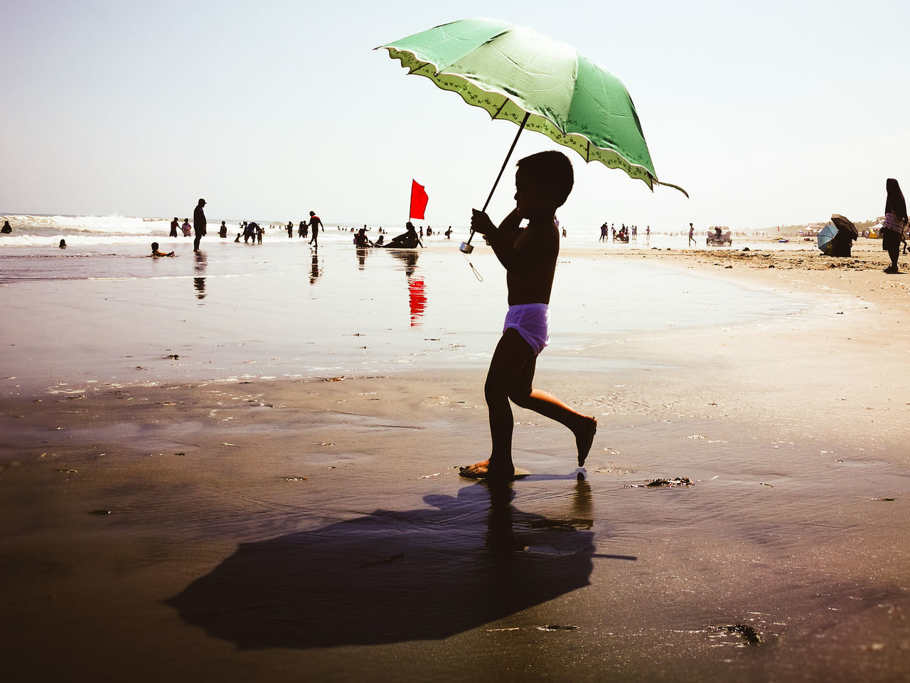 Live For The Story Mobilephotography Eyeem Philippines Mobile_photographer Huawei P9 Leica The Street Photographer - 2017 EyeEm Awards Beach People Wet Vacations Summer Childhood Eye4photography  Check This Out Leisure Activity Enjoying The Sun HuaweiP9Photography Huawei Shots