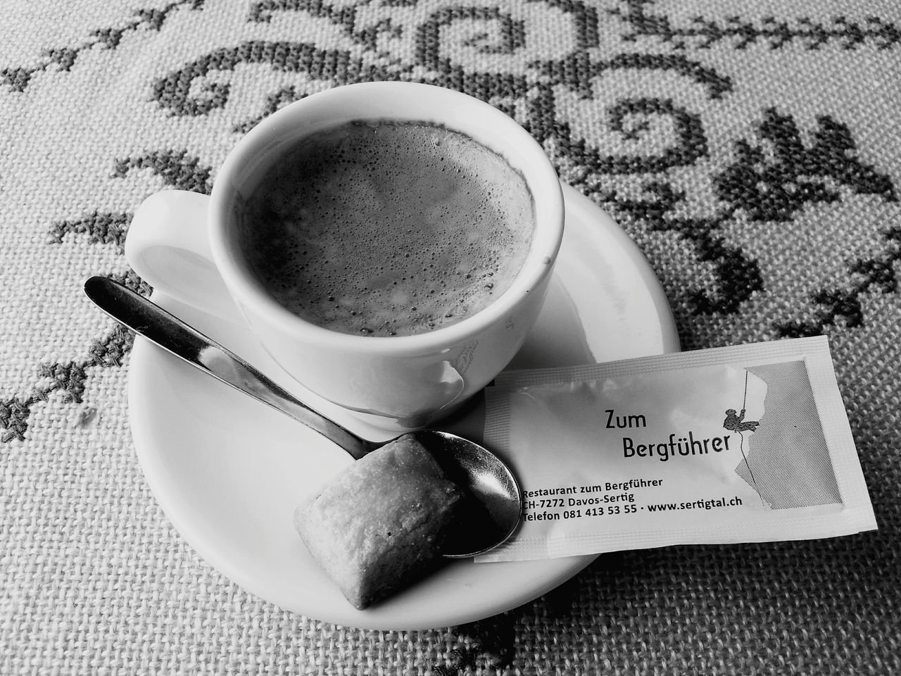 Koffee Swiss Blackandwhite House Desk
