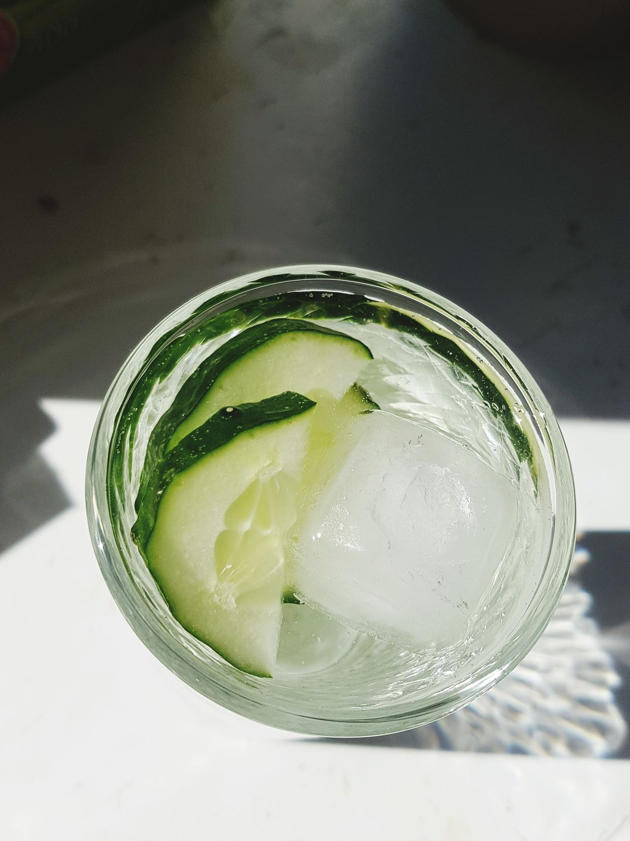 Drink Tonic Water Refreshment Drinking Glass Food And Drink GIN Freshness Cold Temperature SLICE Bubble Cocktail No People Close-up Indoors  Healthy Eating Ice Cube Lime Citrus Fruit Mojito Alcohol Day One Person Atmospheric Mood Art Is Everywhere Veganfoodporn